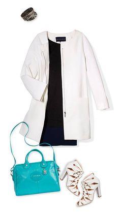 ¡Presume un look impecable con un abrigo blanco! Haz que el outfit se vea más divertido agregando un toque de color en la bolsa. #TheLook #Fashion