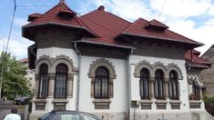 Casă în Râmnicu Vâlcea - Case-Frumoase Hut House, Revival Architecture, Design Case, Home Builders, Romania, Exterior, House Design, Mansions, House Styles