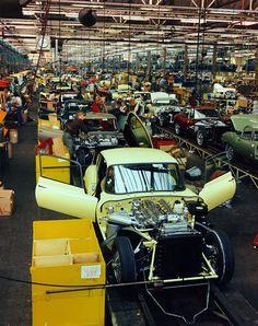 Jaguar E-Type Assembly Line at Browns Lane Plant, Vintage Cars, Vintage Photos, Vintage Iron, Jaguar E Type, Jaguar Cars, Automobile, Jaguar Daimler, British Sports Cars, British Car