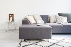 Make your small space living room look bigger with these smart living room layout tips and tricks. Small Space Living Room, Small Spaces, Living Room Decor, Living Rooms, Coffee Table Alternatives, White Apartment, Cozy Apartment, Apartment Living, Minimal Apartment