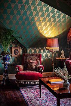 Victorian Interiors, Victorian Furniture, Victorian Homes, Victorian Home Decor, Interiores Art Deco, Maximalist Interior, Interior Decorating, Interior Design, Interior Modern