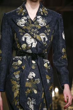 See the complete Erdem Fall 2016 Ready-to-Wear collection.