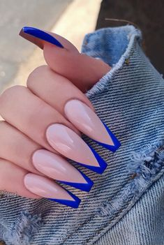 Acrylic Nails Coffin Looking for a whole new nail look? Coffin acrylic nails are a must try this year. We've rounded up 40 of the best acrylic nails coffin ideas for you. Blue Coffin Nails, Blue Acrylic Nails, Cobalt Blue Nails, Acrylic Nails Coffin Classy, Acrylic Nails Coffin Ballerinas, Navy Nails, Coffin Acrylics, Yellow Nails, Black Nails
