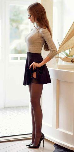 Beautiful Legs, Gorgeous Women, Estilo Vanessa Hudgens, Sexy Rock, Sexy Women, Looks Pinterest, Modelos Fashion, Pantyhose Outfits, Jolie Lingerie