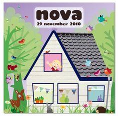De geboortevlaggetjes hangen al in huis voor baby Nova door Zwiep
