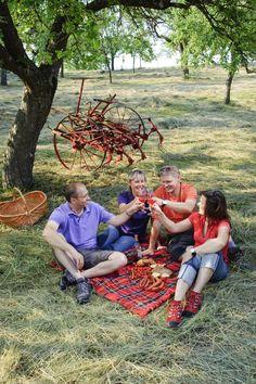 Sommerzeit ist aber auch gleichzeitig die Zeit mit Freunden zu verbringen. Ein schönes Picknick ist klappt immer - http://www.schweinfurt360.de/  #Picknick #Sommer #Genuss