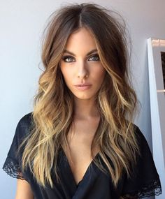 What are Balayage Technique & Ombré - The pros and cons of hair trends Winter Hairstyles, Messy Hairstyles, Pretty Hairstyles, Layered Hairstyles, Boho Hairstyles For Long Hair, Easy Beach Hairstyles, Hair Color And Cut, Hair Colour, Balayage Hair