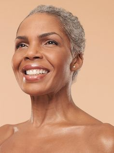 close cropped hair and nice pink lipstick for brown skin // beautiful look for mature women