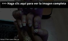 Uñas decoradas con Hello Kitty