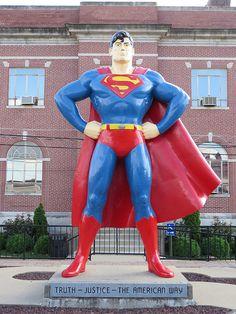 Superman! Metropolis, Illinois--Superman celebration 2nd weekend in June! Road trip 2014? :)