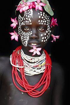 makeup tribe
