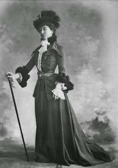 Beautiful Paris Fashion from the 1900s: These fashion photos were published on Les Modes magazine from 1900 to 1907.