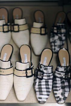 loving these shoes!!! OSCAR DE LA RENTA RESORT 2013 -PHOTO BY @MEAGANCIGNOLI