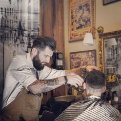 Back to business as usual gentlemen,always trying to make you look handsome 💈💈😎😎 #roostersbarbershopathens #roostersbarbershopcrew #roostersbarbershop #barbershopsinathensgreece #μπαρμπερικααθηνα #μπαρμπερικο  www.roostersbarbershop.gr