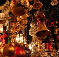 German Christmas markets are famous for going all out, each more spectacular than the last. Feel the Christmas spirit with a visit to Germany this holiday season #christmas #Germany http://www.veltra.com/en/europe/germany/