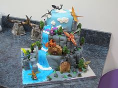 Amazing How to Train Your Dragon cake
