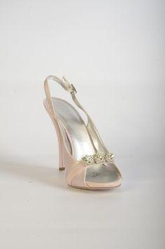 6007G38 Sandales soie rose à talon Wedding Shoes, Collection, Pink Silk, Sandals, Heels, Bhs Wedding Shoes, Wedding Boots, Bridal Shoe, Wedding Slippers