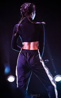 Image uploaded by love poem ♡. Find images and videos about kpop, blackpink and jennie on We Heart It - the app to get lost in what you love. Blackpink Jennie, Blackpink Fashion, Korean Fashion, Trendy Fashion, Jenny Kim, Blackpink Photos, Pictures, Kim Jisoo, Blackpink Lisa