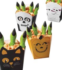 Cute idea for #Halloween party treats! Pumpkin spice candy melts popcorn favors from @Wilton Cake Decorating Cake Decorating!