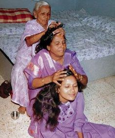 Mustard Oil for Hair Growth The Indian hair growth secret you've been missing.naturallycurl… Mustard Oil for Hair Growth The Indian hair growth secret you've been missing. Vida Natural, Natural Hair Tips, Natural Hair Growth, Natural Hair Styles, Mustard Oil For Hair, Massage Shiatsu, Bath & Body Works, Black Hair Care, Hair Growth Tips