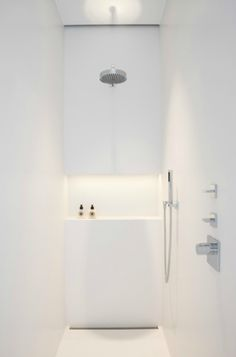 Bathroom in Kortrijk, Belgium _ by Isabelle Onraet _minimal minimalist design house