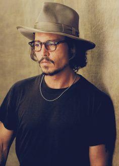 Johnny Depp, male actor, glasses, beard, hat, style, celeb, portrait, photo
