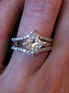 Wedding ring for kite setting