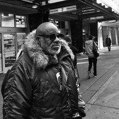 3rd Ave Parka Weather. #streetphotography #seattlephotographer #photography #vsco #iphone #monoart_ #blackandwhite #monoart #everybodystreet #theappwhisperer #bnw_magazine #mobilephotography #monotone #bnw_society #bnw #blackandwhitephotography #seattlestreetphotography #pokemonstreetphoto #bnw_life #bnw_captures #bnw_society #bnwphotography  #portrait_perfection #portraitphotographer #parka #sunglasses