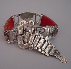 VICTORIAN Scottish pebble style agate and sterling silver buckle bracelet, circa 1880 - Gorgeous.