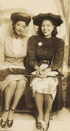 Lovely Ladies circa 1940, females, women, cool outfits, hats, smiling, vintage, photo, sapira, history.
