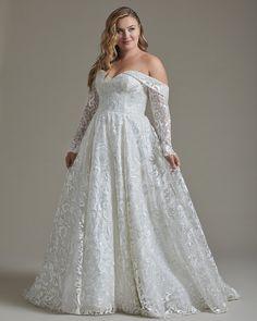 Plus Size Wedding Gowns, Long Wedding Dresses, Boho Wedding Dress, Wedding Lace, Gown Wedding, Wedding Bride, Wedding Ideas, Mode Top, Mode Plus