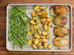 "Ranch Pork Chop Sheet Pan Supper (Ask Me Anything: All About Kids) - ""The Pioneer Woman"", Ree Drummond on the Food Network. Pan Pork Chops, Skillet Pork Chops, Sauce Pizza, Sheet Pan Suppers, Chops Recipe, Supper Recipes, Supper Meals, Quick Recipes, Easy Dinner Recipes"