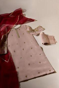Stylish Dresses For Girls, Wedding Dresses For Girls, Party Wear Dresses, Simple Dresses, Nice Dresses, Fancy Dress Design, Stylish Dress Designs, Designs For Dresses, Pakistani Fashion Party Wear