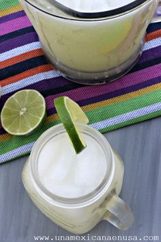 Agua fresca de limón, by www.unamexicanaenusa.com