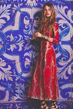 Handmade kaftan dress and tunics, bohemian decor, Moroccan puffes and babouches at Maison De Marrakech. Boho lifestyle fashion and interior webshop. Bohemian Mode, Boho Gypsy, Bohemian Style, Boho Chic, Hippie Boho, Moda Boho, Mein Style, Girly, Boho Fashion