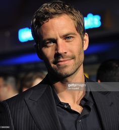 """Actor Paul Walker arrives at the Los Angeles Premiere """"Fast & Furious"""" at the Gibson Amphitheatre on March 2009 in Universal City, California. Paul Walker Tribute, Actor Paul Walker, Paul Walker Movies, Rip Paul Walker, Paul Walker Daughter, Paul Walker Wallpaper, Dark Hair Blue Eyes, Paul Walker Pictures, Good Looking Actors"""