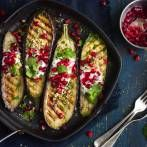 grilled eggplants with garlic yogurt sauce walnuts and pomegranate top view Grilled Eggplant, Pcos Diet, Vegetarian Cooking, Pomegranate, Cravings, Breakfast Recipes, Dip, Healthy Recipes, Healthy Food