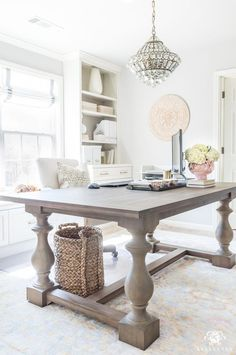 Lots of ideas and options for using dining tables as desks in your home office! #desk #office #homeoffice #officedesign #officedecor #diyhomedecorrustic