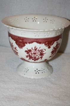 """FTD Floral vase/bowl MINT measures approx: 5.5"""" x 7""""D x 4""""D base $20 Vases For Sale, Mint, Base, Tableware, Dinnerware, Tablewares, Dishes, Place Settings"""
