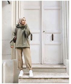 Modern Hijab Fashion, Street Hijab Fashion, Hijab Fashion Inspiration, Muslim Fashion, Modest Fashion, Look Fashion, Fashion Outfits, Hijab Fashion Style, Fashion Ideas