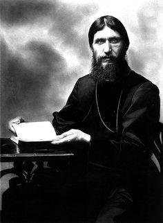 Rasputin  Matita su carta / Bleistift auf Papier / Pencil A3 - 2017 #rasputin #disegno #arte #realistic #art #ritrattisucommissione #story #russia #russian #fabercastell #fabercastellpolychromos #pencildrawing