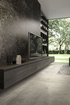 Modern Tv Room, Modern Bathroom Decor, Living Room Modern, Home Living Room, Home Room Design, Home Interior Design, Tv Stand And Wall Unit, Black And Silver Wallpaper, Tv Unit Decor