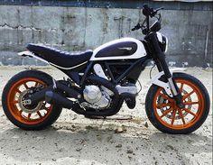 Ducati custom Motor Scrambler, Ducati Scrambler Sixty2, Moto Ducati, Scrambler Motorcycle, Motorcycle Design, Bike Design, Ducati Sport Classic 1000, Street Bikes, Cars And Motorcycles