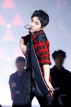 180707 ElyXiOn in Kuala Lumpur, Malaysia. Kim Minseok Exo, Exo Ot12, Exo Xiumin, Kim Jong Dae, Kim Min Seok, Xiu Min, Kris Wu, Kai, Exo Concert