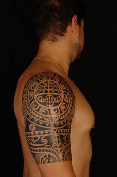 Polynesian Half Sleeve on Anthony 1 by Koru Tattoo Bild Tattoos, Body Art Tattoos, New Tattoos, Tribal Tattoos, Sleeve Tattoos, Tattoos For Guys, Maori Tattoos, Tatoos, Borneo Tattoos