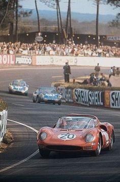 Jean Guichet / Mike Parkes - Ferrari 330 P2 - SEFAC Ferrari SpA - XXXIII Grand Prix d´Endurance les 24 Heures du Mans 1965 - World Sportscar Championship, round 12 -  Challenge Mondiale, round 4