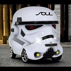 A Kia Soul car kit, for that stand out from the crowd look ( but don't speed or the FORCE may be with you ! ) 👮🏻🚔 Especially if you drive Millennium Falcon speeds ! Scooters Vespa, Cuadros Star Wars, Kia Soul, Weird Cars, Crazy Cars, Strange Cars, Smart Car, Unique Cars, Luxury Cars