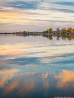 Fall Reflections in St Lawrence River (Montreal) - www.PhotoTraces.com by Viktor Elizarov