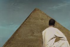 Self portrait with the pyramid. Youssef Nabil