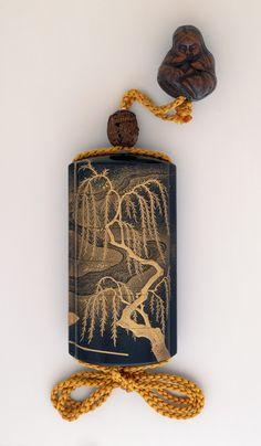 Willow Tree and River [Inrō/Netsuke Ensemble]印籠 根付 緒締 Kajikawa Bunryūsai (Japan, active 18th century) Japan, early 19th century.  | LACMA Collections